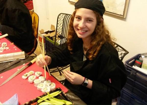 סדנת סושי - הפעלה ליום הולדת 15 בתל אביב